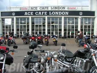 Современный вид знаменитого Ace Cafe