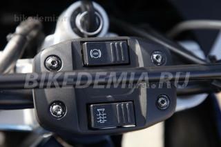 BMW F650GS оборудован отключаемой ABS и ручками с подогревом | Байкадемия