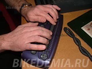 Устройство для отправки и получения SMS, работающее по технологии Брайля
