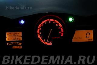 Спидометр и тахометр мотоцикла Honda CBR1100XX Superblackbird