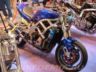 Двигатель Yamaha R1 в раме Spondon