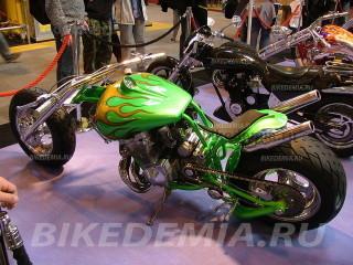 Революционный кастом-байкк с двигателем от Suzuki GSX-R1100
