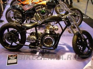 Эксклюзивный мотоцикл с дизельным двигателем от бетономешалки Yanmar