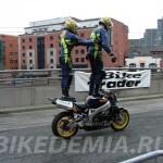 Сонни Фергюсон: езда стоя на мотоцикле