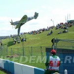 Донингтон-Парк: памятник самолету Spifire