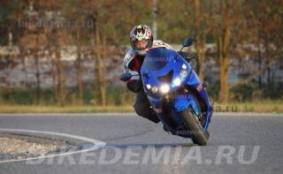 "Kawasaki Ninja ZX-14 с ""низов"" ускоряется мягко"