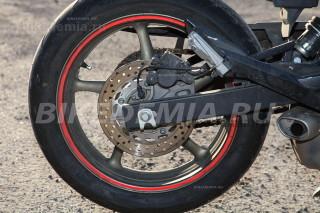 Yamaha XJ6SA Diversion: заднее колесо с датчиком ABS