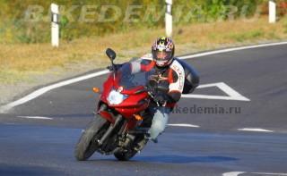 Yamaha XJ6SA Diversion на волнистом асфальте не пасует