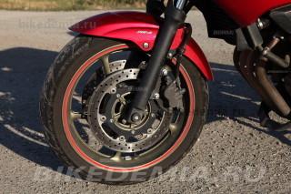 Переднее колесо и тормоз Yamaha XJ6SA Diversion