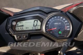 Yamaha XJ6SA Diversion: приборная панель