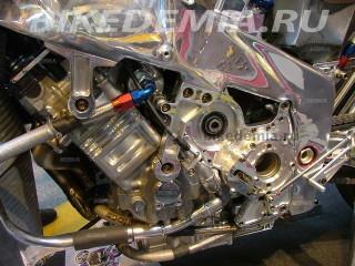 Двигатель и рама мотоцикла «Dreadnought»