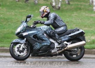 Kawasaki ZZR1200: за рулем очень комфортно