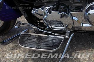 Honda VTX1300: площадки для ног водителя