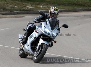 Yamaha Fazer FZS600 с ксеноном
