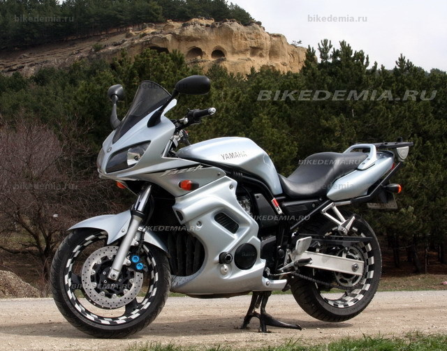 Yamaha Fazer FZS600: хорохий турер