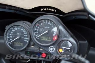 Yamaha Fazer FZS600: приборная панель