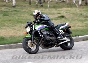 Kawasaki ZRX1200R: классический мускулбайк