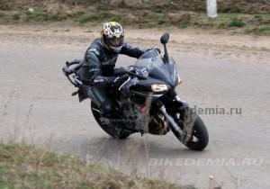 "Yamaha FZ6 Fazer: ветрозащита на ""пятерку"""