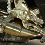 Тюнинг Suzuki GSX-R1000: подножки Gilles цепляются за выпускную систему Yoshimura