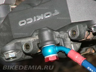 Тюнинг Suzuki GSX-R1000: армированные тормозные шланги