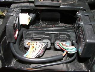 Блок BAZZAZ Z-Fi-TC с подключенным USB-кабелем