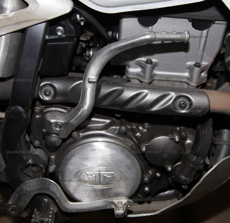 Кикстартер DRZ-400 установлен