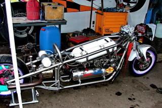 Мотоцикл с реактивным двигателем Эрика Тебюля