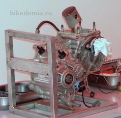 Одноцилиндровый двухтактный двигатель GP-125