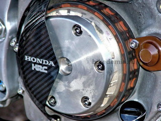 Сцепление мотоцикла Honda RC211V