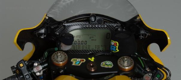 Жидкокристаллическая приборная панель мотоцикла Honda RC211V