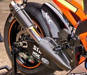 MotoGP: глушитель мотоцикла Yamaha M1