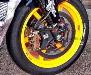 Передний тормоз Honda RC211V