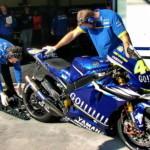 """Команда MotoGP Yamaha ипользует стартер типа """"подкат"""""""