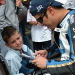 MotoGP: Макото Тамада дает автограф
