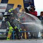 MotoGP: душ из шампанского на подиуме